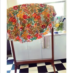 Vintage Retro Round Floral Tablecloth